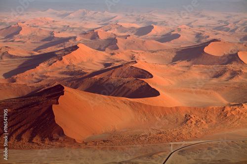 Fotobehang Rood traf. Namib-Naukluft Nationalpark