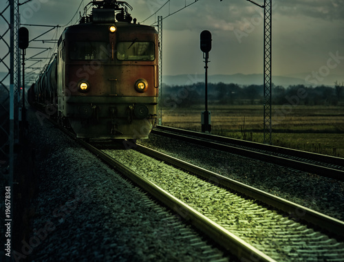 Stary pociąg elektryczny