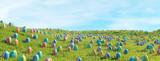 Ostereier suchen auf Wiese zu Ostern