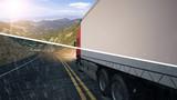 LKW Truck fährt bei Sonne und Regen