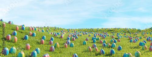 Wielkanocni jajka są przyglądający na łące dla Easter