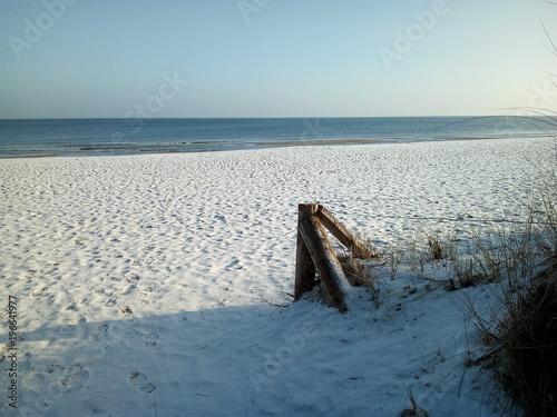Schnee am Ostseestrand - verschneit