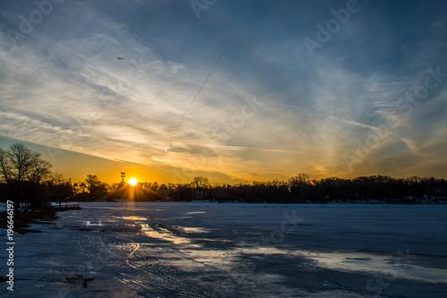 Papiers peints Morning Glory Winter Sunrise at the Beach