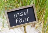 Insel Föhr - Kreidetafel mit Schrift am Strand