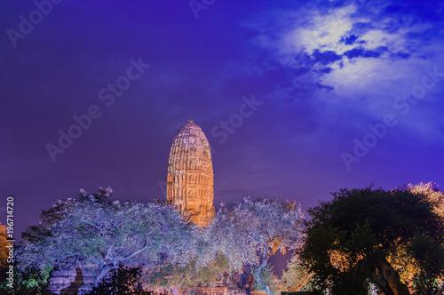 Staande foto Violet Thailand Ayutthaya Wat phra ram night