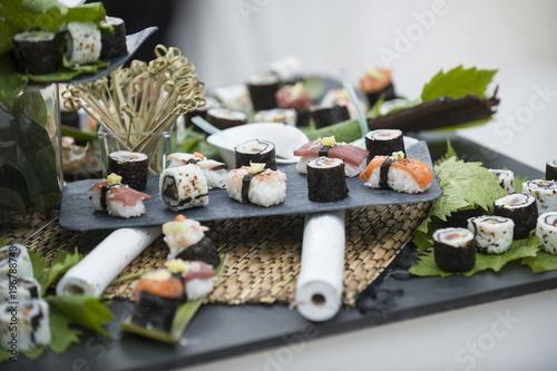 Foto op Canvas Sushi bar aperitivo con suchi