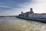 Pont-Saint-Esprit (Gard)-Vue de la ville et son eglise