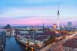 Berlin bei Nacht mit Fernsehturm und Alexanderplatz