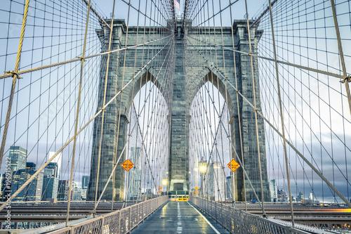 Foto op Aluminium New York On the famous Brooklyn Bridge