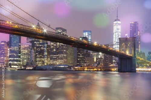 Plexiglas Brug View of Brooklyn Bridge by night, NYC.
