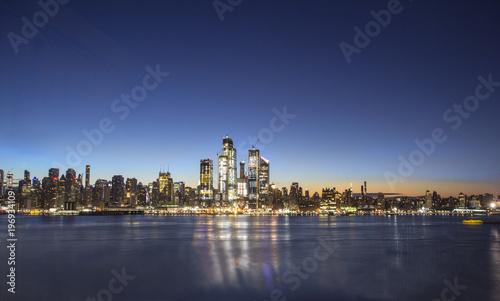 Foto op Aluminium New York Sunrise over Manhattan, New York dusk panorama at blue hour, early morning