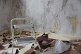 Renovierung / Umzug - Alte Tapeten entfernen - 196961339