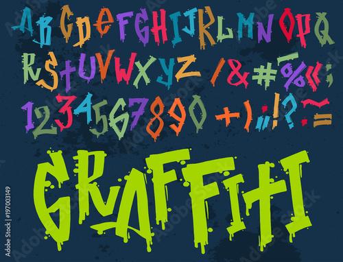 Ręcznie rysowane grunge czcionki farba symbol projekt szczegółowe wektor alfabet graffiti tekst pędzla graficzny atrament.