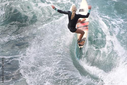 Fototapeta Pro surfer, Eveline Hooft, prepping at Honolua Bay.