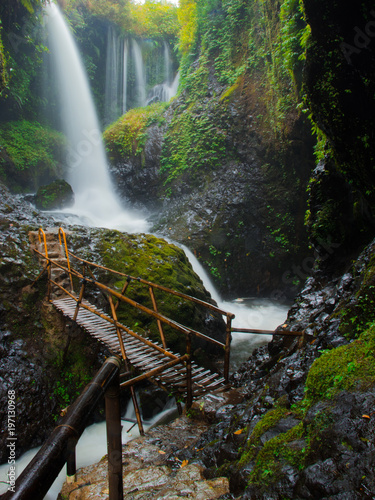 Secret waterfall - 197130968