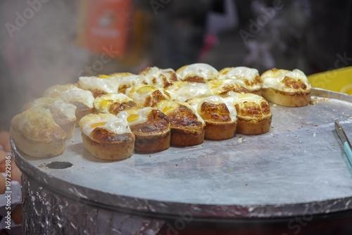 Aluminium Seoel egg bread famous street food