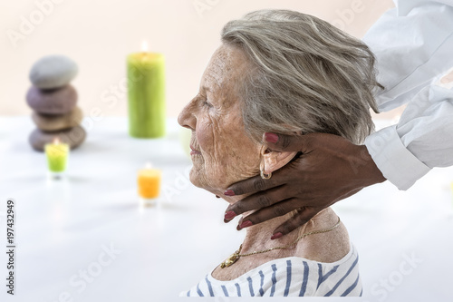 Foto op Plexiglas Spa people, beauty, spa, healthy lifestyle and relaxation concept - close up of old woman sitting proile view with closed eyes and having massage in spa