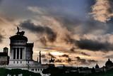 ciel romain au dessus du monument victor emmanuel