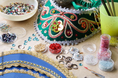 Foto op Plexiglas Kapsalon russian folk tiara and material, pearls, beads, strass, trimming, to make one at home