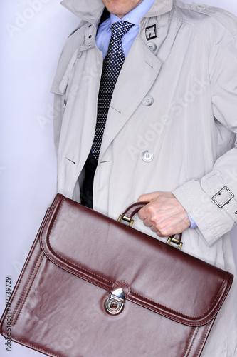 officer, tax, businessman, corruption, briefcase, files, lifestyle, coat, dress code, bright, technocrat, politician, vip, mysterious, Mr., human, content, closed, figure, mysterious, business trip,