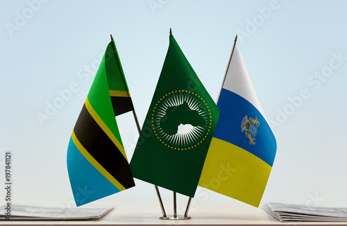 Foto op Aluminium Canarische Eilanden Flags of Tanzania African Union and Canary Islands