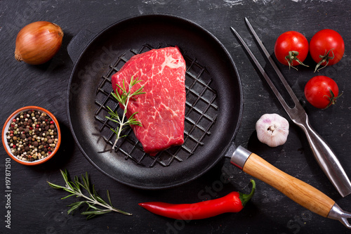 Foto op Plexiglas Steakhouse fresh meat with ingredients for cooking