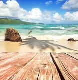 Ferien, Tourismus, Sommer, Sonne, Strand, Meer, Glück, Entspannung, Meditation: Traumurlaub an einem einsamen, karibischen Strand mit Bootssteg:) - 197905784