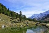 Berge und See im schweizer Wallis