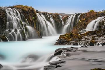 Bruarfoss Island - spektakulärer Wasser in Langzeitbelichtung