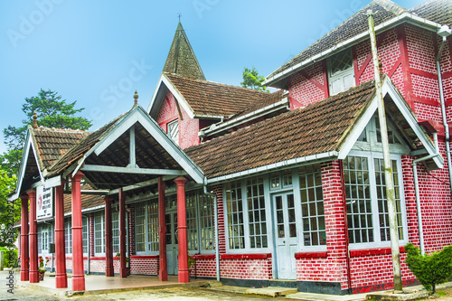 Foto op Aluminium Oude gebouw old victorian Post Office in the hilly town of Nuwara Eliya in Sri Lanka