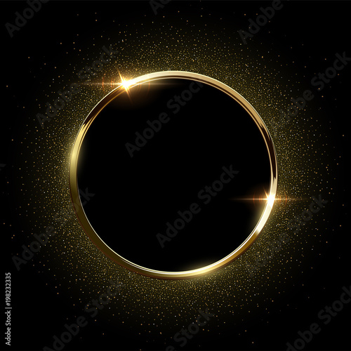 Złoty lśnienia pierścionek z złotą błyskotliwością odizolowywającą na czarnym tle. Wektorowa złota rama.
