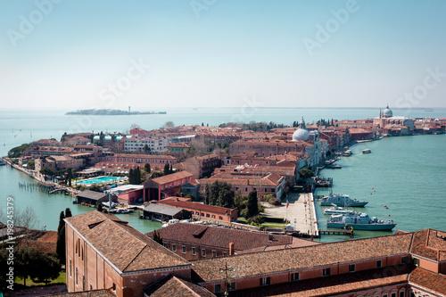 San Giorgio Maggiore. Wenecja, Włochy. Piękne stare miasto na wyspie i lazurową laguną Morza Adriatyckiego.