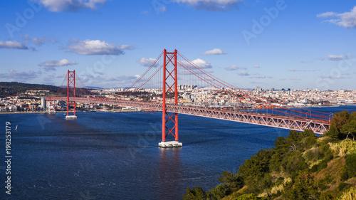 Ponte 25 de Abril; Lissabon