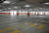 empty covered parking - 198317385