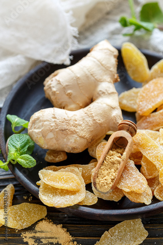 Root and ground ginger, spicy ginger candied fruit.