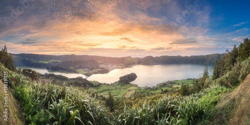 In de dag Ochtendgloren Mountain landscape Ponta Delgada island, Azores