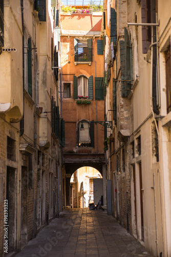 Poster Smal steegje Venice Italy Alleyway