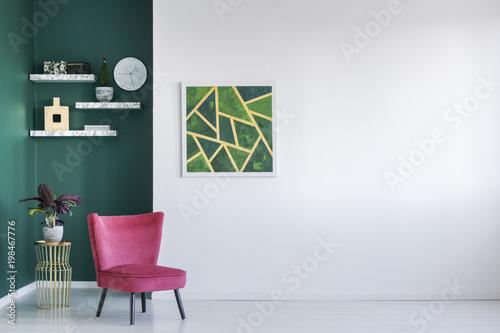 Zielony i czerwony salon