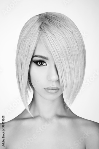 Fotobehang Women Art Lovely asian woman with blonde short hair