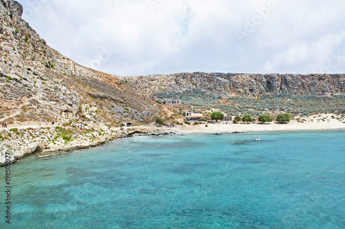Fotobehang Schipbreuk Splendida isola di Gramvousa, mare azzurro cristallino - Grecia