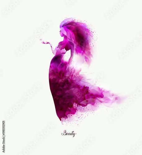 purpurowy-dekoracyjny-sklad-z-dziewczyna-na-bielu