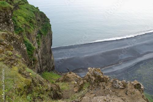 canvas print picture Küste mit schwarzem Lavastrand auf Island