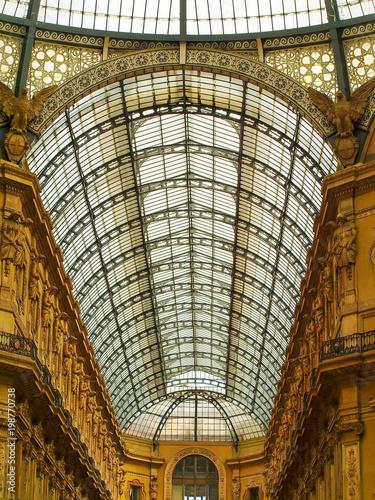 Fotobehang Milan Milan, Italy - The Vittorio Emanuele II Gallery