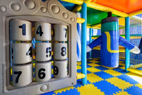 Nowoczesny kryty plac zabaw dla dzieci