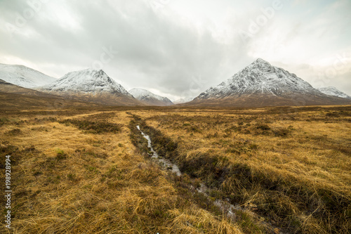 Foto op Canvas Wit Scotland highlands near Glencoe, beautiful winter landscape for travel and hiking.