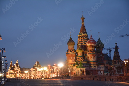 Foto op Aluminium Moskou Museum theater Kremlin tower Russia tours night domes landmark trees Park Moscow monument sculpture architecture building city house metropolis Church statue