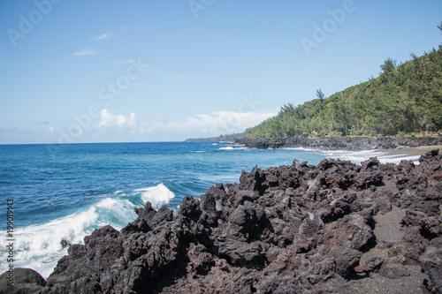 La Réunion, son volcan, le Sud Sauvage et sa mer méchante. Ses falaises de laves, sa végétation luxuriante et variée.... Quelques photos pour vous faire aimer le Sud Sauvage