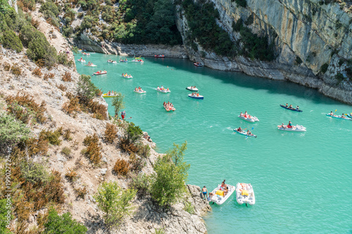 Foto Murales Travelling on canoes along the Verdon River. France. 2017.07.30.
