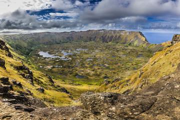 Rano Kau, volcán y lugar místico y religioso de la cultura Rapa Nui en Isla de Pascua
