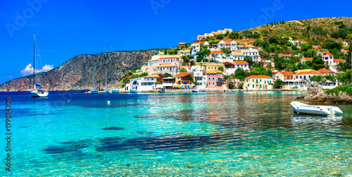 Beautiful  Greece series - picturesque colorful village Assos in Kefalonia - 199034309